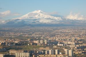 Th_mt_etna_and_catania